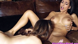Cassie Laine and Idelsy love lesbo fun
